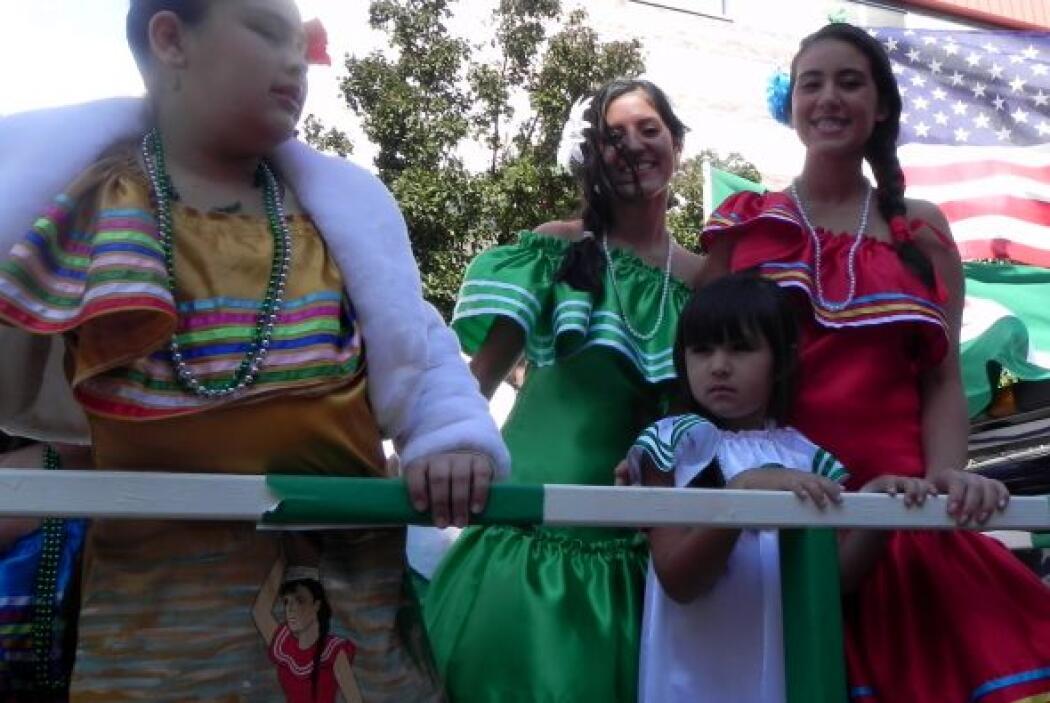 Primer desfile Boliviano de Nueva York ec5321641bde46e18ddf17f9da682b87.jpg