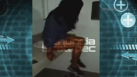Polémico video muestra a una menor de edad con un funcionario en un baño
