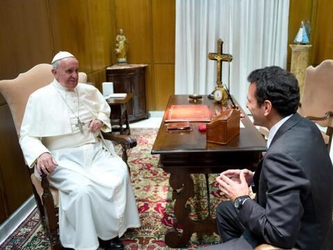 Capriles señaló que el papa escuchó su propuesta y...