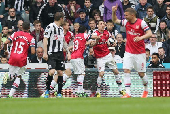 Arsenal aspiraba a la cuarta plaza para jugar la próxima Champions Leagu...