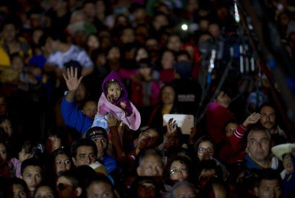 Cientos de personas estallaron de emoción al grito de ¡Viva México!