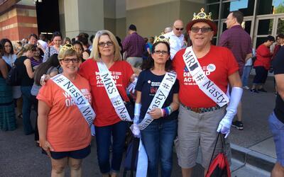 Este grupo de activistas de Moms Demand Action, que aboga por leyes cont...