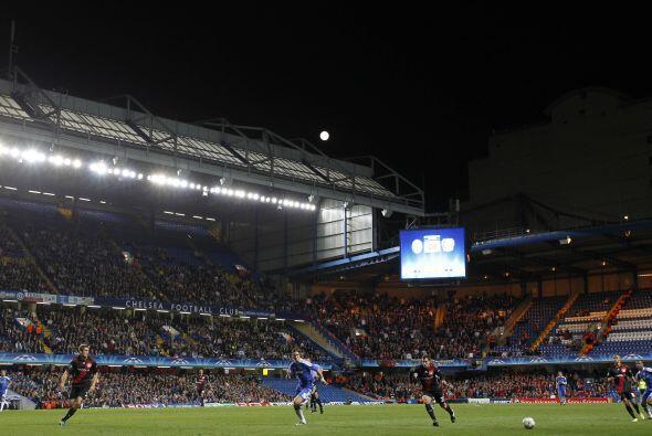 Estadio: Stamford Bridge (41.800 espectadores).  Árbitro: Felix B...