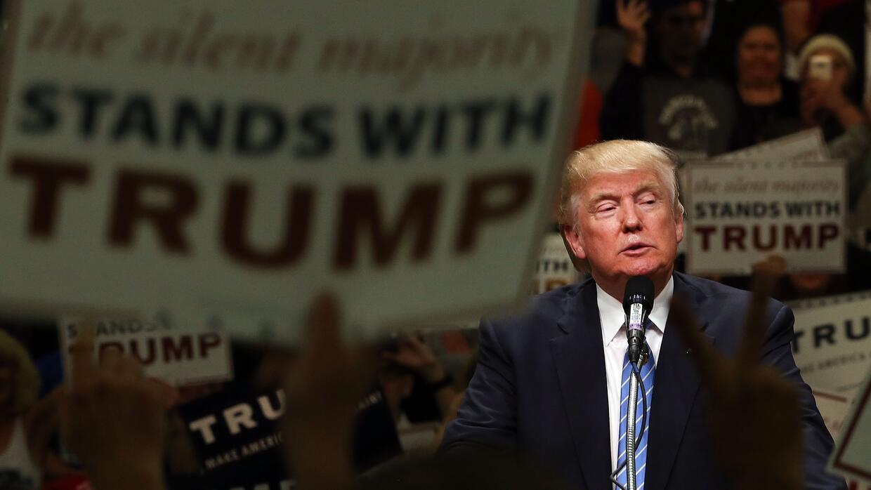 """Trump ha sido contradictorio en su """"nueva posición"""" sobre inmi..."""