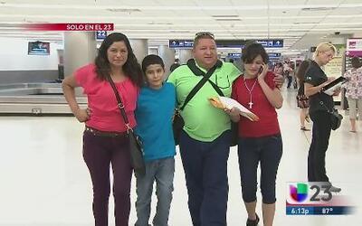 Una mujer se reencontró con sus hijos tras nueve años
