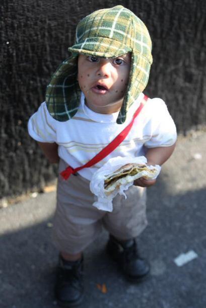 Este pequeño se vistió de Chavo del Ocho: un infaltable, su torta de jam...