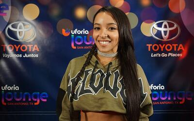 Tinashe stops by the Uforia Lounge for a quick acoustic session and a me...