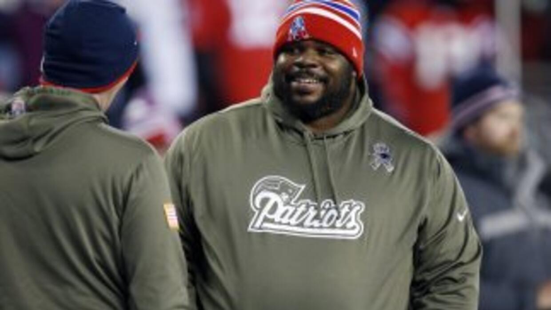 Vince Wilfork se queda en los Patriots (AP-NFL).