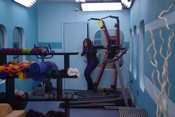 Carolina se coló por el gimnasio con la excusa de que fue a rescatarlos....