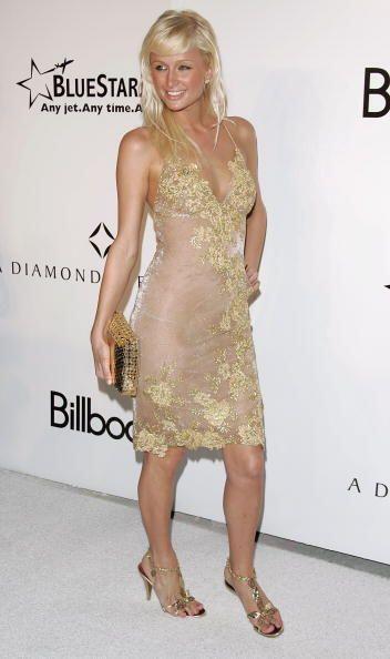 Las pieles blancas como la de Paris Hilton lucen fabulosas bajo los enca...