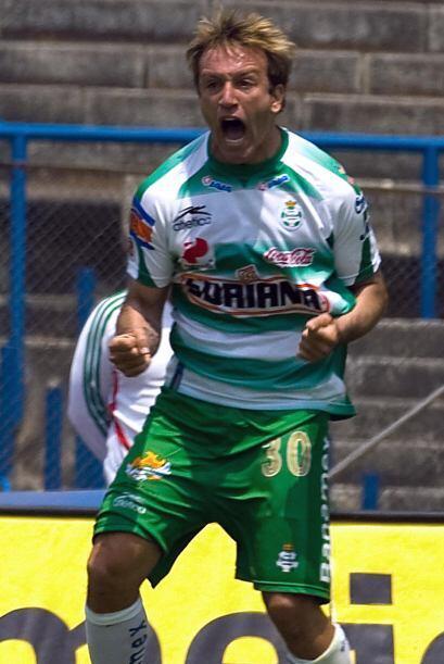 Vuoso repitió en el Clausura 2005 con 15 tantos, defendiendo la camiseta...
