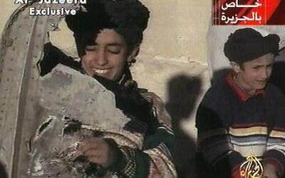 Hamza bin Laden, en una imagen de un video de la televión Al-Jaze...