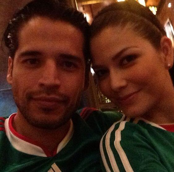 """Con mi amorcito viendo el partido #MexicovsHonduras. Primer gol de Méxi..."