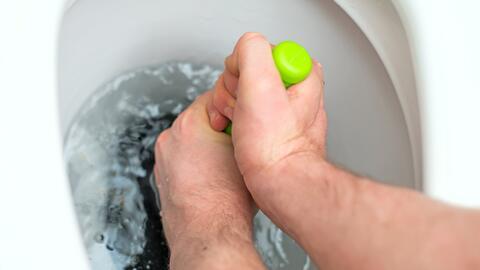 Sigue estos consejos para cuidar tu inodoro