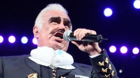 Lástima Que Seas Ajena canta Vicente Fernández en su producción del mism...