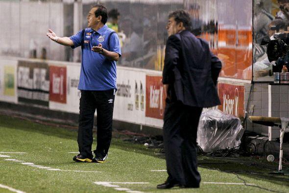 Muricy Ramalho está tratando de levantar a un Santos que se encue...
