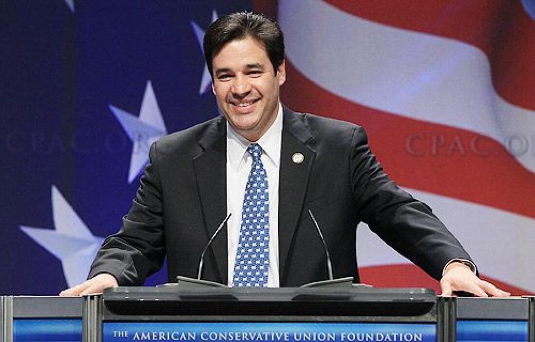 6 de junio. El Congresista republicano de Idaho, Raúl Labrador, abandona...