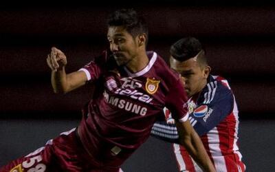 Chivas apenas puede empatar con Estudiantes Tecos