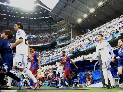 Real Madrid y Barcelona jugaron en el Estadio Santiago Bernabéu e...
