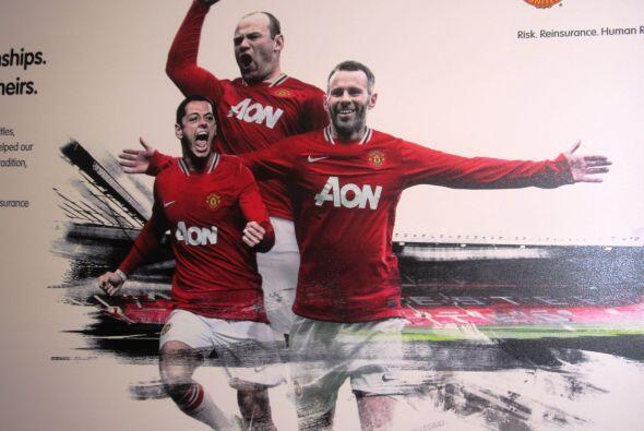 Uno de los posters dentro del Estadio, y claro, no podía faltar el popul...