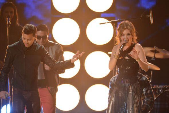 ¡Pura bachata! Así cantaron a dueto Thalía y Prince Royce el tema 'Te Pe...
