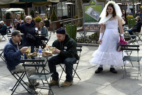 Las novias de marzo se inició en 1999 como un evento Cacophony Sociedad...