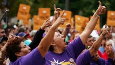 Los conserjes llevan a cabo 4 días de protestas por despidos.