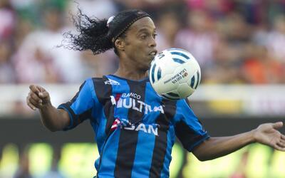 Ronaldinho está cerca de regresar a jugar: el Coritiba es su destino