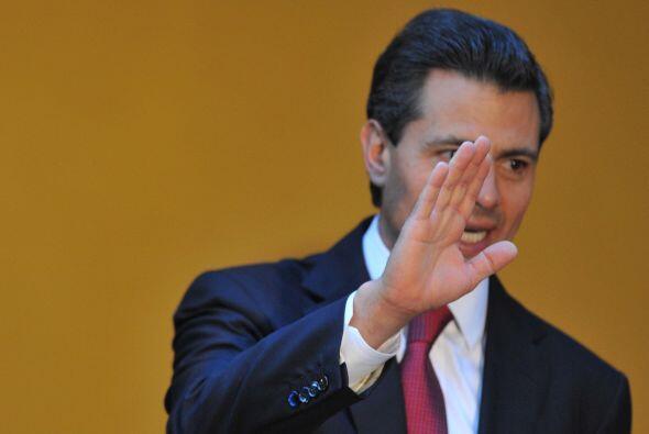 La aprobación y la credibilidad del presidente mexicano, Enrique...