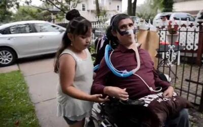Tony Galvez a pesar de su discapacidad no quiere nada para él y buscó ay...