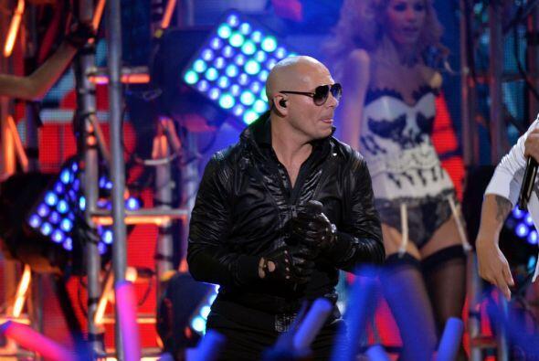 Pitbull, un grande de la canción triunfo nuevamente en los Premio...