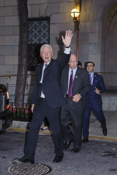 Esta foto lo dice todo, Bill está maravillado con la llegada de su nieta.