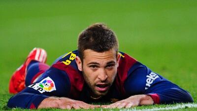 El lateral del Barcelona se lastimó en el duelo de España ante Ucrania.