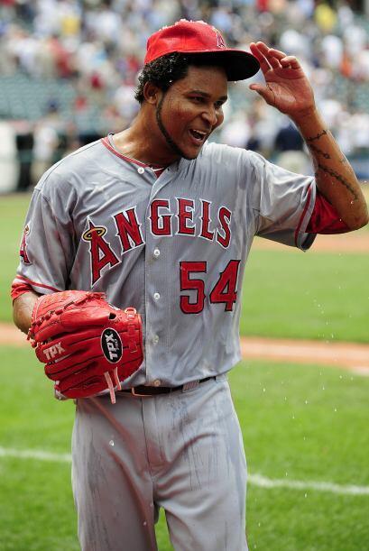 SP.  Ervin Santana. Angelinos de Los Ángeles. En la temporada, tiene una...
