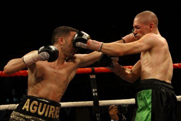 José Aguirre (4-0, 3 KOs) se impuso por decisión un&aacute...