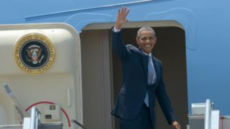El Presidente Barack Obama arrivará hoy a Los Ángeles en una gira por do...