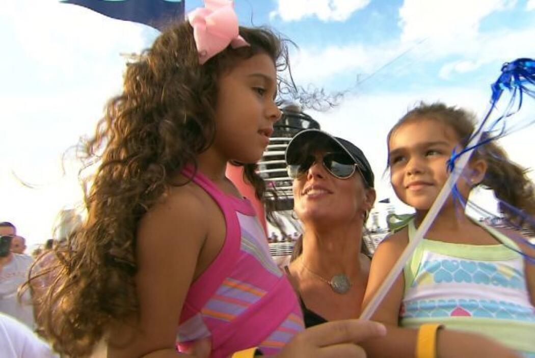 Bárbara con sus dos princesas.