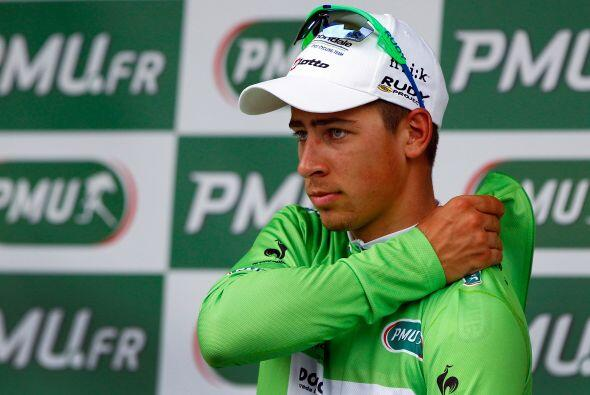 El hombre que viste el maillot verde (por puntos), el eslovaco Peter Sag...