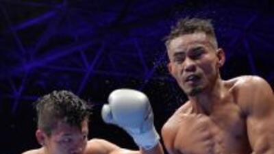 Koki Kameda golea a Mark Apolinaro en su victoria en Tokio.