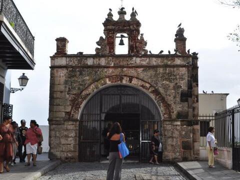 Ginna Cárdenas, Zaira di Natale y Fanny Chavarria llegaron hasta la isla...