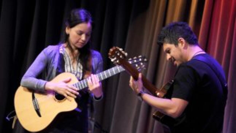 El dúo lanzará el 29 de abril su primer disco después de cinco años de n...