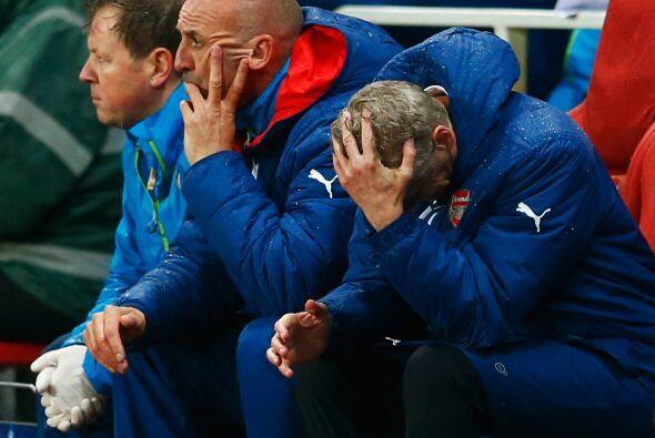 Arsenal ganaba con goles de: Arteta, Alexis Sánchez y Chamberlain...