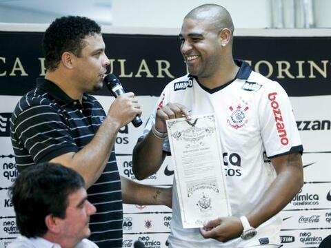 Adriano Leite Ribeiro vuelve al fútbol brasileño y espec&i...