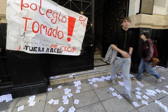 La toma de escuelas ha ido creciendo lo que agrava aún más la crisis est...