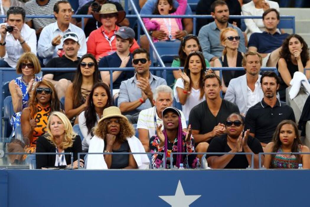Entre el público, las estrellas latinas. Mira aquí lo último en chismes.