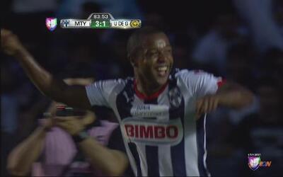 Dorlan Pabón anota el 3-1 para Monterrey