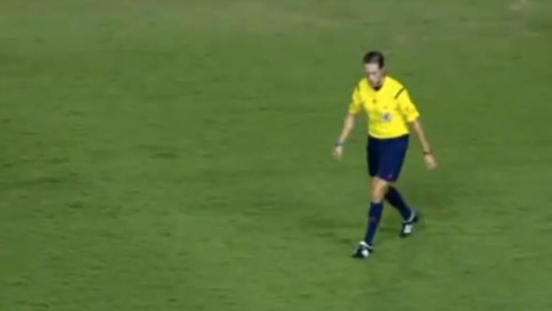 El central que pitó el Levante vs. Barcelona no se sintió comodo con el...