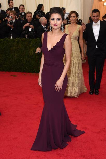 Selena Gomez también entro en ranking de las más sensuales, gracias a su...