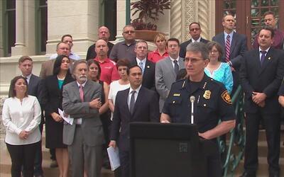Departamento de Policía de San Antonio y Centro para Atención a Víctimas...