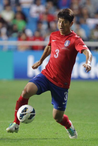 Park Joo-Ho.- Otro defensor de este equipo asiático que juego en...
